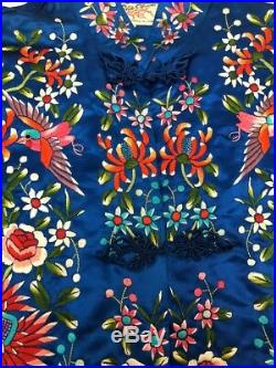 VINTAGE PLUM BLOSSOMS CHINESE EMBROIDERED ROYAL BLUE ROBE Sz 38 LINED POCKETS